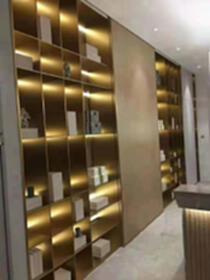 佛山金多多金屬定制不銹鋼屏風酒柜酒架鏡框畫框等金屬制品